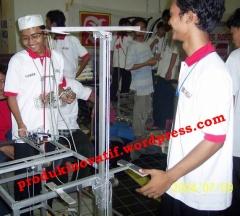 Kontes Robot Indonesia 2004 di Univ.Indonesia