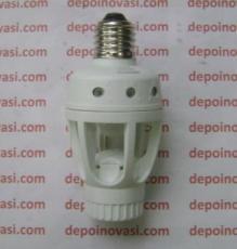 Fitting lampu sensor gerak